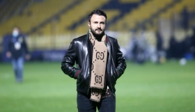 Καρυπίδης σε Κούγια: «+3 με πολλή αγάπη στον φίλο μου τον Αλέξη!»