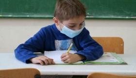 Κορονοϊός: Ανοιχτό το ενδεχόμενο για νέα μέτρα στα σχολεία