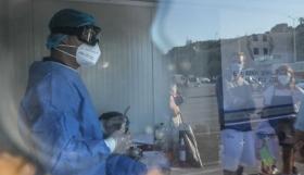 Κοροναϊός : 1.176 νέα κρούσματα και 30 θάνατοι