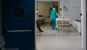Κορονοϊός: 1.383 κρούσματα και 98 νεκροί σε 24 ώρες