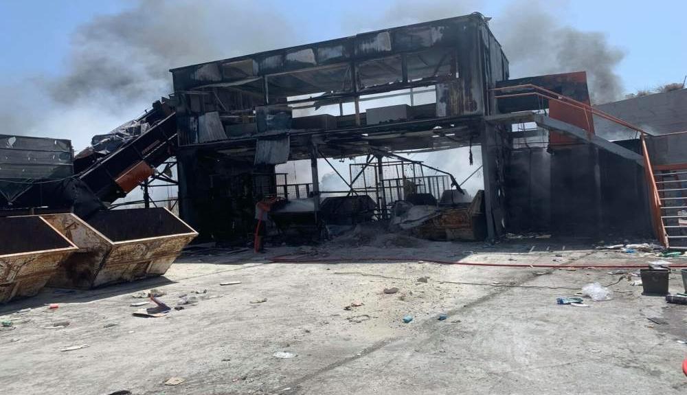 Σαντορίνη: Φωτιά στην περιοχή της ανακύκλωσης (pics)(3)