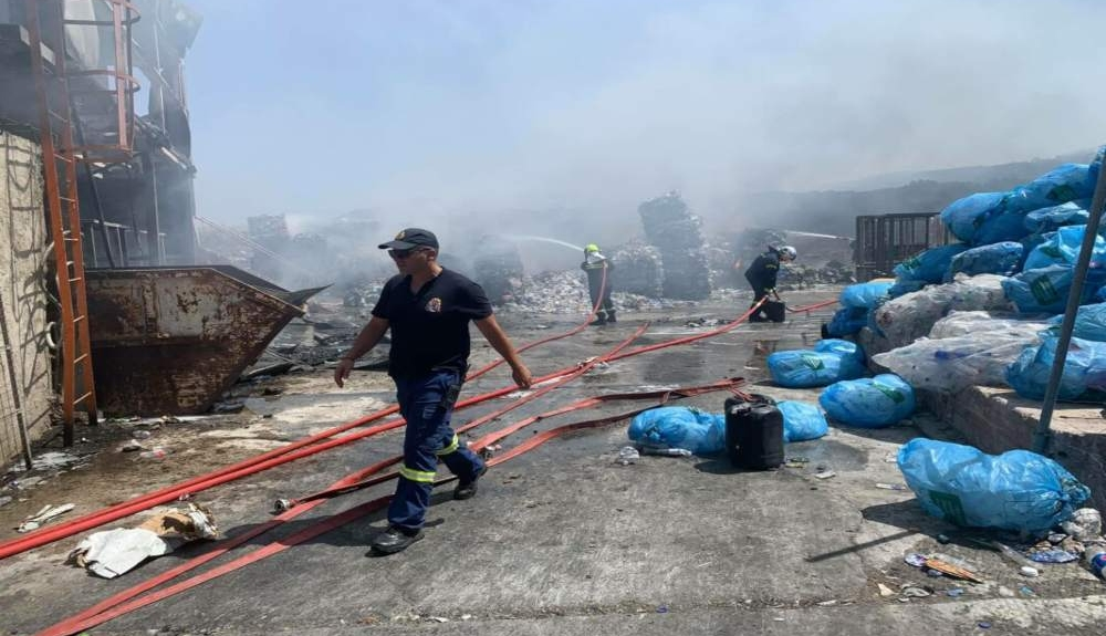 Σαντορίνη: Φωτιά στην περιοχή της ανακύκλωσης (pics)(2)